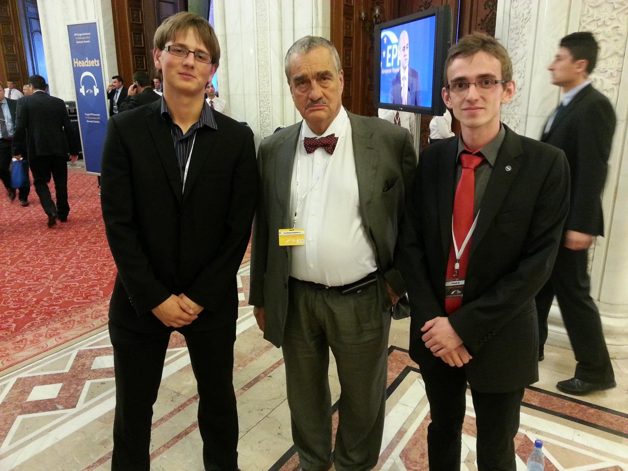 Dobrovoľníci na Kongrese EPP v Bukurešti a knieža Karel Schwarzenberg